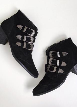 Потрясающие ботиночки