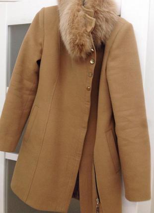 Пальто осеннее с натуральным песцовым воротником