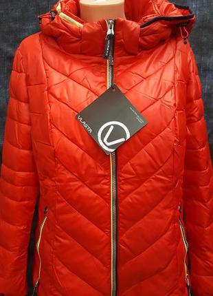 Теплая красная куртка vlasta