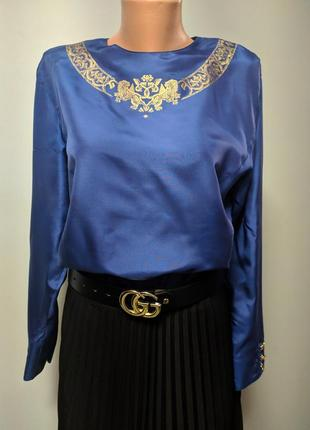 Шелковая блуза в стиле escada