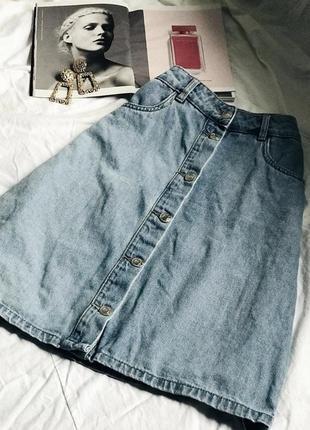 Удлинённая винтажная джинсовая юбка на металических кнопках
