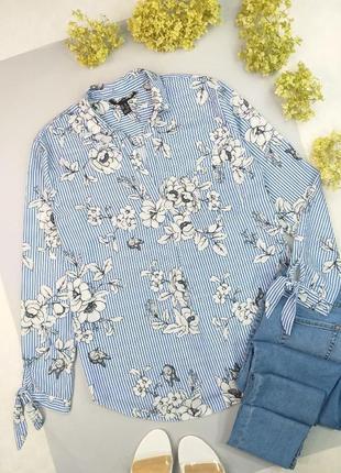 Рубашка белая в голубую полоску с цветочным принтом 12р.