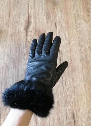 Кожаные перчатки с опушкой из кролика