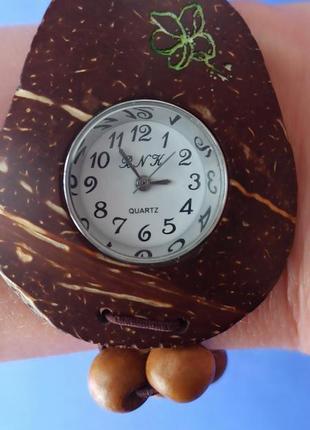 Кварцевые часы в дереве бренд b.n.k.