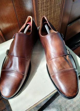 Португальские кожаные туфли от известного бренда..