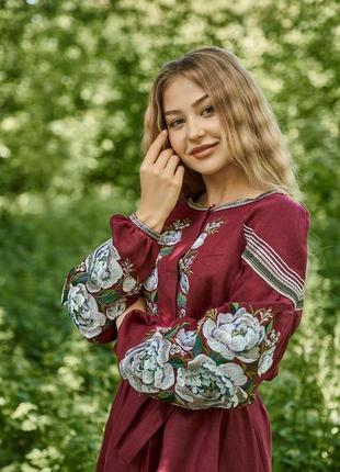 Вышиванка в стиле бохо вишиванка вишита сукня вышитое платье на 100% льне (миди)