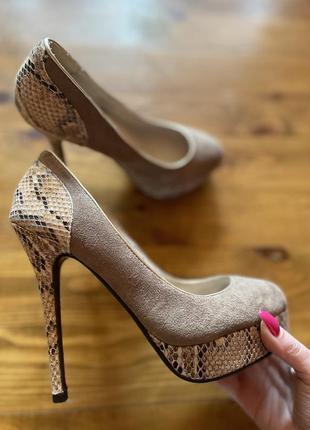 Шикарные дорогие французские туфли на шпильке рептилия замш кожа туфельки