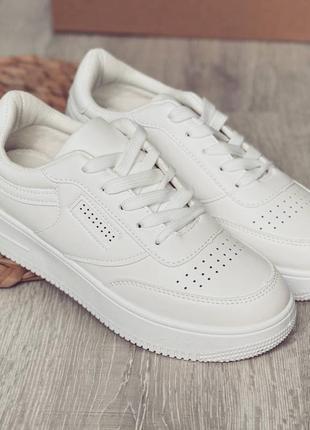 ❗️распродажа❗️ базовые белые женские кеды под бренд
