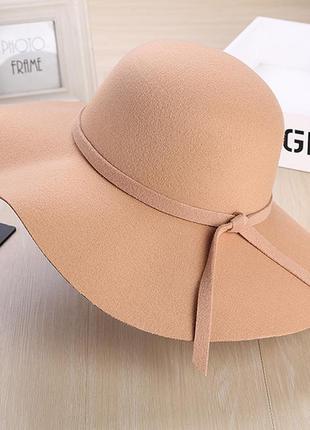 Новая стильная женская широкополая шляпа из фетра бежевого цвета