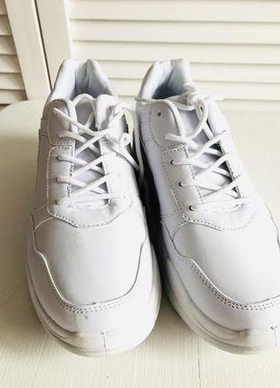 Белые кроссовки на платформе6 фото