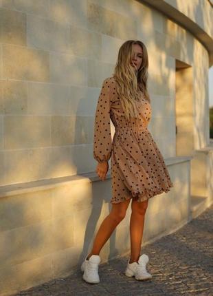 Платье в горошек мокко с карманами