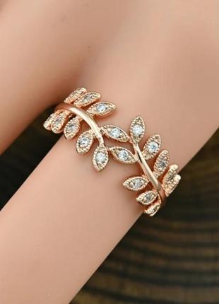 Кольцо с листочками 18 размер мед золото