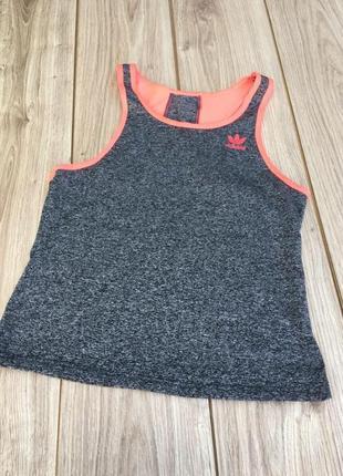 Стильная актуальная майка adidas футболка топ тренд для бега спорта атлетики
