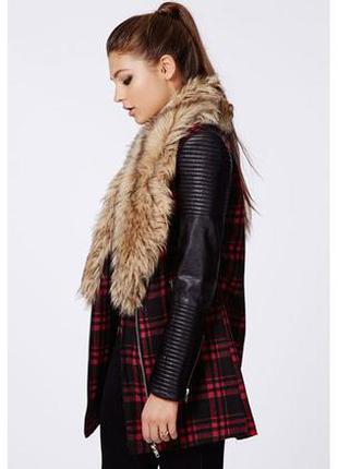 Пальто кокон с кожаными рукавами,мех missguided в клетку бренд