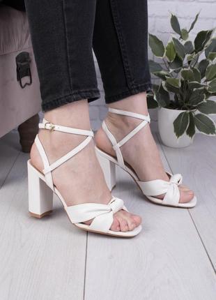 Босоножки сандалии на каблуке