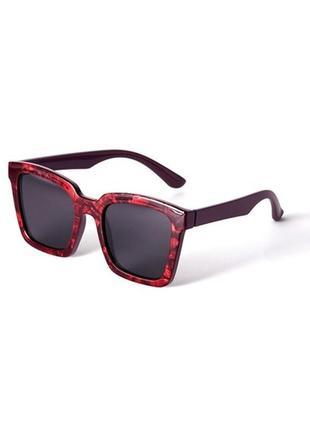 Солнцезащитные очки орифлейм с цветной оправой