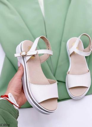 Босоножки боссоножки белые натуральная кожа на высокой подошве летние сандали сандалии