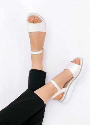 Босоножки боссоножки белые натуральная кожа на высокой подошве летние сандали сандалии9 фото