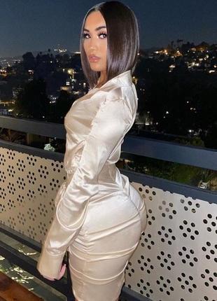 Сатиновое нарядное платье рубашка цвета шампанского