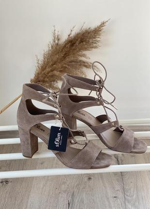 Замшевые босоножки на блочном каблуке s.oliver,39,41