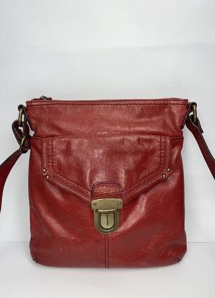 Кожаная фирменная сумка на/ через плечо marks & spencer.