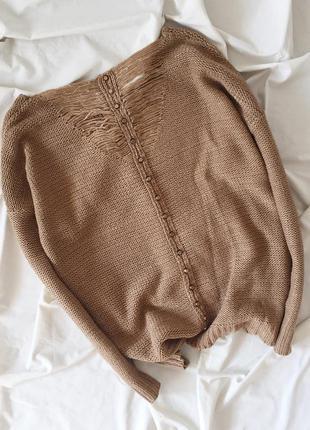 Песочная кофточка с вкраплениями золотой нити