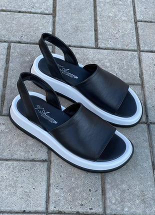 Босоножки шлепанцы натуральная кожа черный низкие сандалии сандали