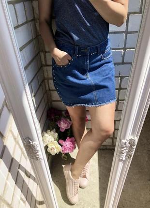 Джинсовая юбка с заклёпками l