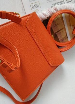 Оранжевая кожаная сумка в стиле jacquemus2 фото