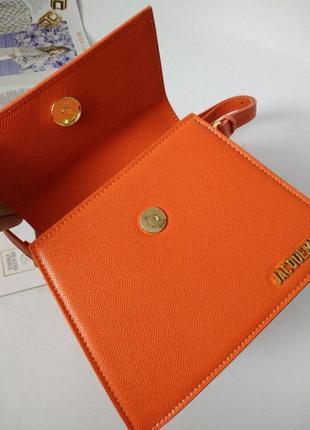 Оранжевая кожаная сумка в стиле jacquemus5 фото