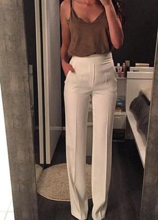 Струящиеся брюки палаццо zara штаны широкие классические бежевые клеш кюлоты