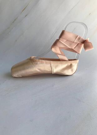 Дитячі пуанти для балету4 фото