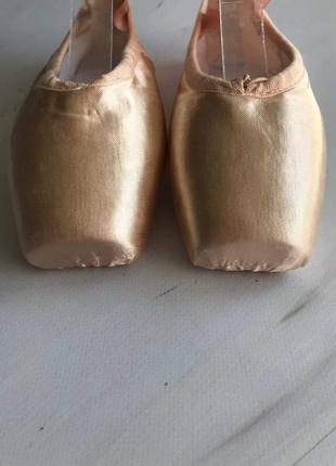 Дитячі пуанти для балету5 фото