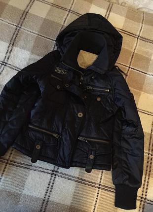 Продам курточку очень тёплую и красивую