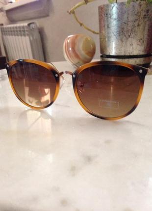 Стильные солнцезащитные очки. торг.