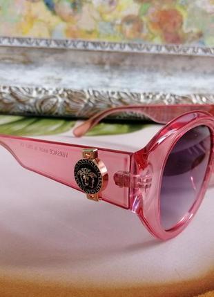 Эксклюзивные брендовые розовые солнцезащитные округлые женские очки 20212 фото