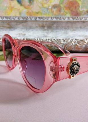 Эксклюзивные брендовые розовые солнцезащитные округлые женские очки 20215 фото