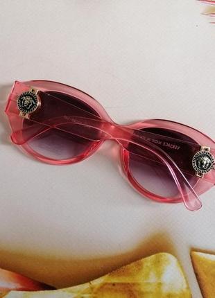 Эксклюзивные брендовые розовые солнцезащитные округлые женские очки 20214 фото