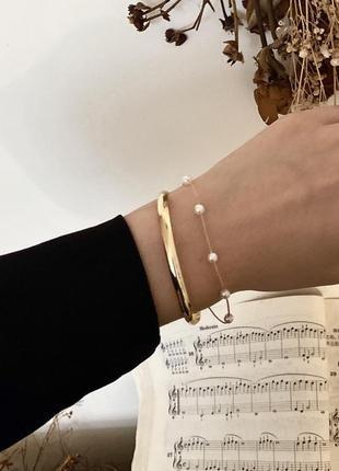 Красивый двойной браслет бижутерия на запястье золото и жемчуг с бусинами и цепью