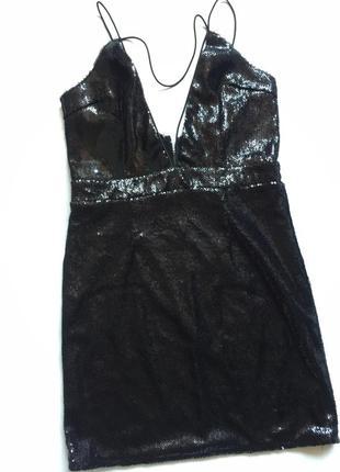Шикарное коротенькое платье в пайедках