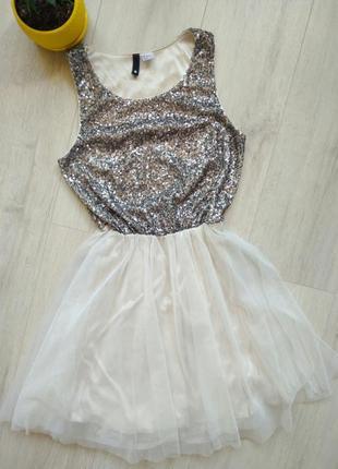 Шикарное платье с фатиновой юбкой divided женское детское
