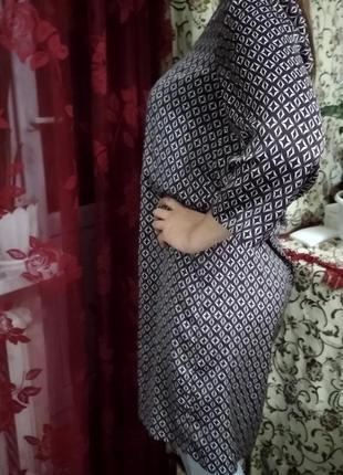 Платье,очень легкое,размер 48