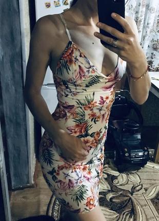 Красивое привлекательное платье2 фото