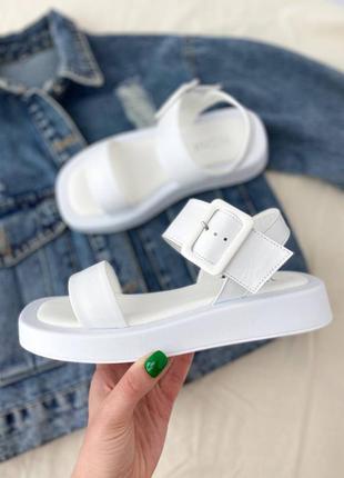 Женские босоножки белые на платформе, босоножки летние бнз каблука