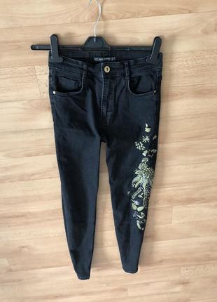 Джинсы чёрные с вышивкой джинси скинни skinny зара zara