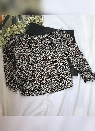 Жіноча блуза в леопардовий принт