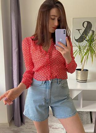 Брендовая блуза в мелкий цветочный принт