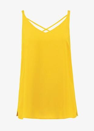 Яркий летний базовый топ майка желтый охра
