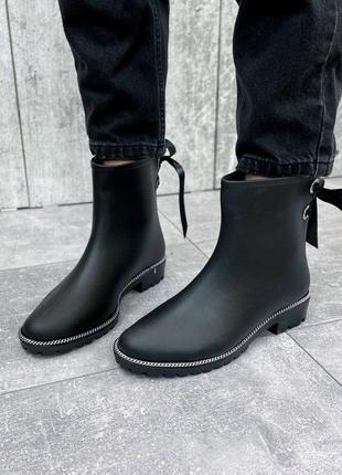 Резиновые сапоги черные женские