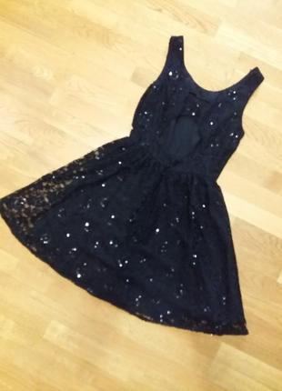 Нарядное платье из гипюра top shop  c вырезом на спине размер s